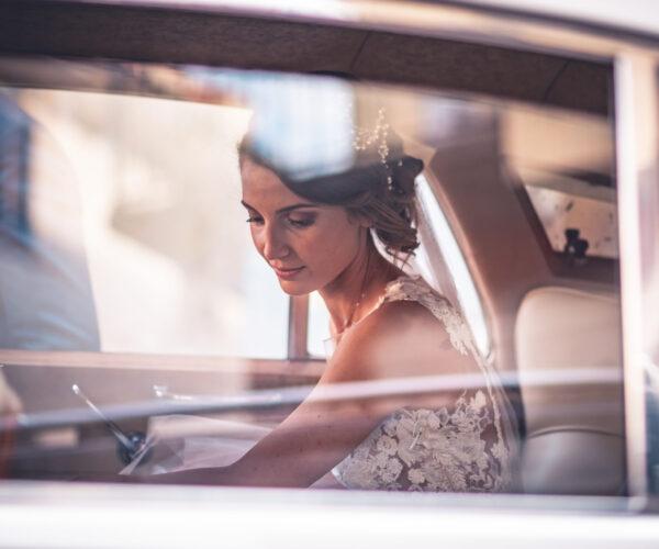 fotomatrimoni con sposa in macchina
