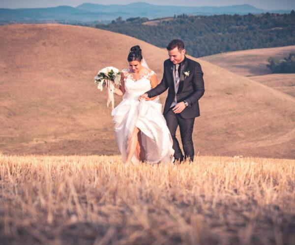 fotomatrimoni fotografa coppia sulle colline