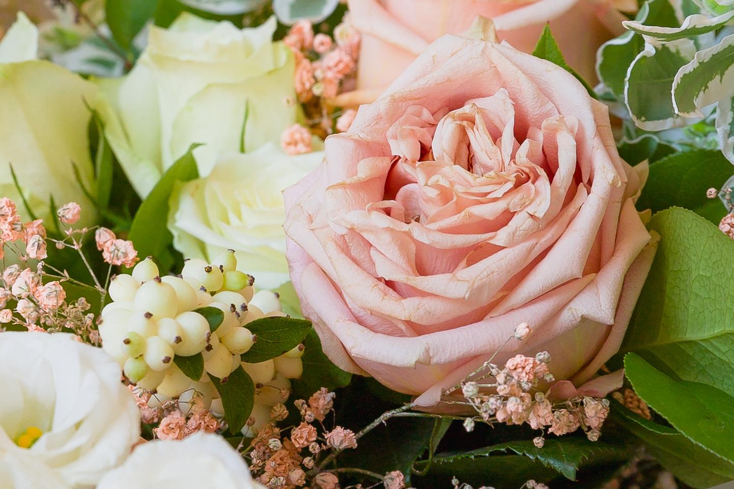 bouquet di rose della sposa per il matrimonio