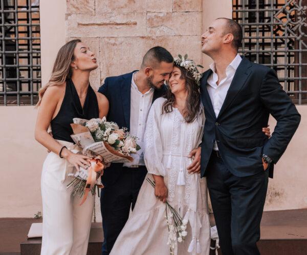 sposi con testimoni